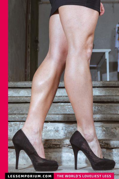 Annie - Stairway to Dream Legs b-COVER