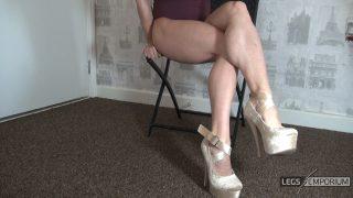 Bobbie Stone - Legs Crossed Calves Muscles 2_6