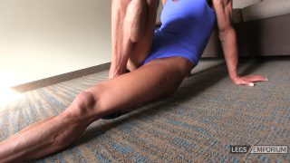Diana Schnaidt - Epic Folded Legs Squeeze 2_3