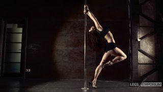 ELENA - Pole Dancing Legs Goddess 1_4