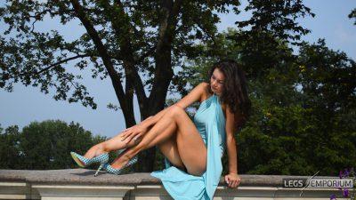 ELENA - Sunlit Gams of the Legs Goddess 2_3