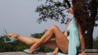 ELENA - Sunlit Gams of the Legs Goddess 2_4