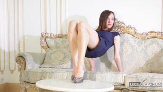 Lina - Elegant Leggy Lusciousness 2_3