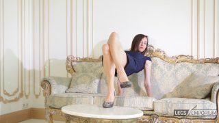 Lina - Elegant Leggy Lusciousness 2_5