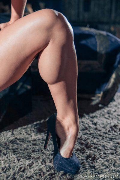 Melinda - Her Calves Charade 1 02