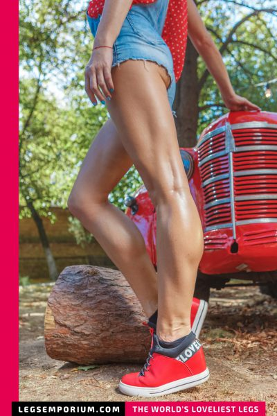 Rebecca - Bulging Calves and Classic Cars 2 b-COVER