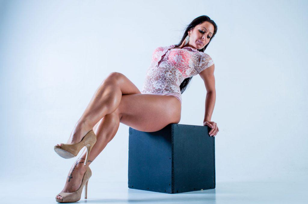 Legs_Crossing_Nikolett_Kiralyvari