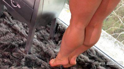 Jawel - Perspective of Leg Dreams 4K 2_2