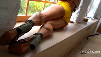 Zlata - Kick-Ass Legs and Stilettos_5