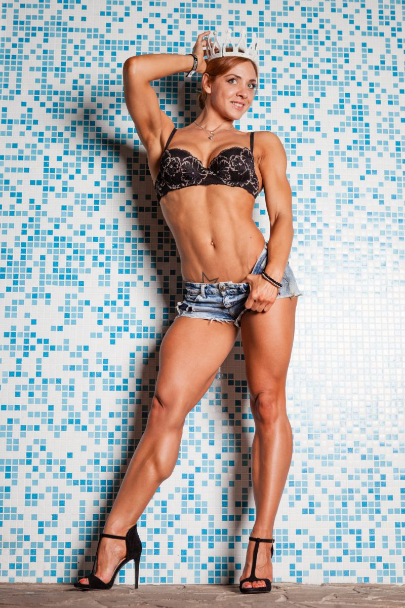 Free muscle female domination videos