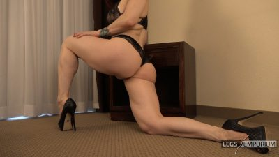 Andrea Gaicomi - Lunging Calf Flexes in Lingerie 1_2