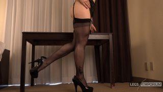 Andrea Gaicomi - Stockings Fetish Legs Tease 1_1