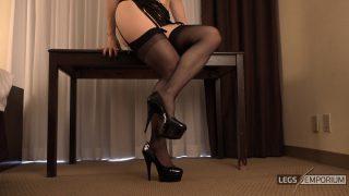 Andrea Gaicomi - Stockings Fetish Legs Tease 1_2