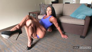 Diana Schnaidt - Epic Folded Legs Squeeze 1_5