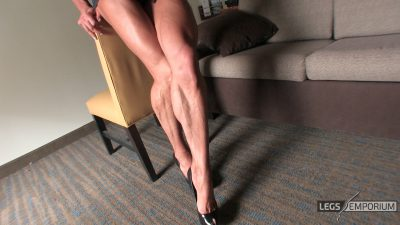Diana Schnaidt - Her Muscular Legs Are Sexy 2_4