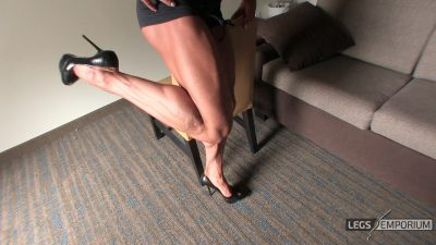 Diana Schnaidt - Her Muscular Legs Are Sexy 3_3