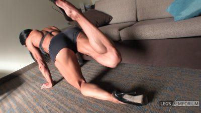 Diana Schnaidt - Rock Hard Leg Curls 1_2