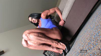 Diana Schnaidt - Swollen Calves Squats 1_0