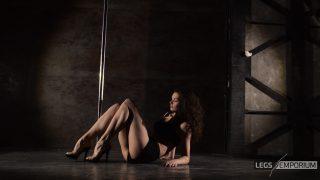 ELENA - Pole Dancing Legs Goddess 2_2