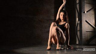 ELENA - Pole Dancing Legs Goddess 4_3