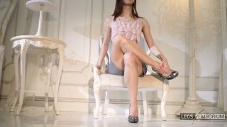 Lina - Classic Lovely Legs Crossing 2_1