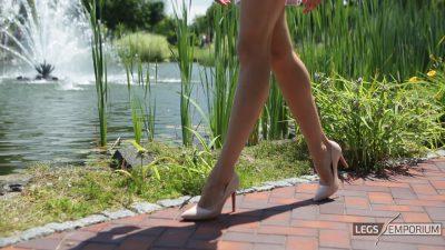 Liza - Water Fountain Stems Delights 1_1