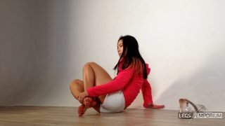 Lolita - Fit Legs in Transparent Heels and Barefeet 1_7
