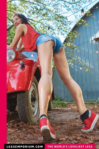 Rebecca - Bulging Calves and Classic Cars 1 b-COVER