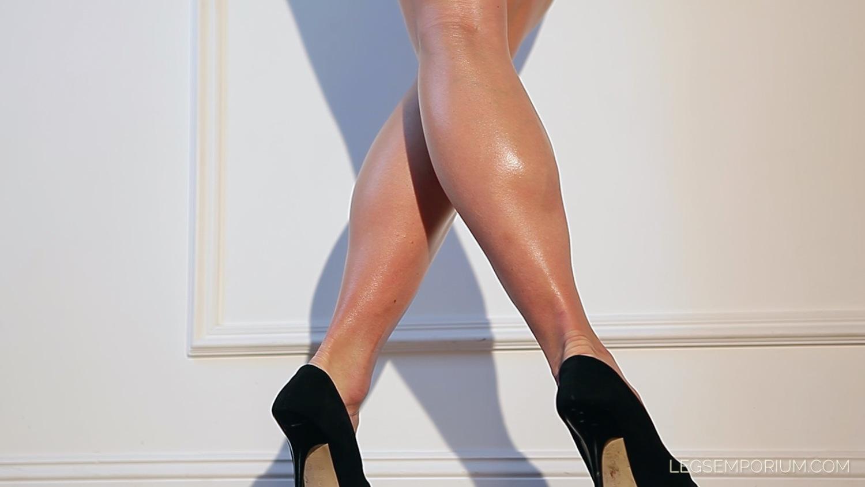 black booty dress