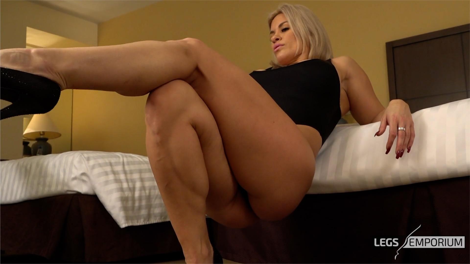Sexy sexy legs-6910