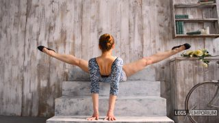 Y-E - Great Legs Movements with Legs Up 2_0