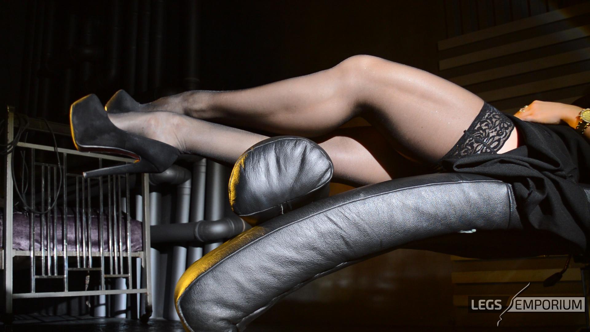 Priyanka Chopra Flaunts Her Toned Body In A Sexy See