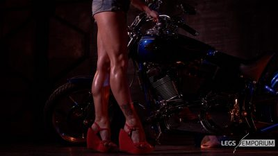 Kaylee 3 - Motorcycle Pin Up Doll 1_6