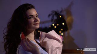Elena - My Leggy Valentine - 4K_8