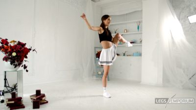 Candice - Mini-Skirt and Beautiful Legs HD_5