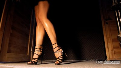 Elena - Legs Walking through Your Mind_2
