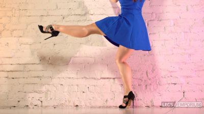 Alina - Dancing Blue Beauty Redux 1_4