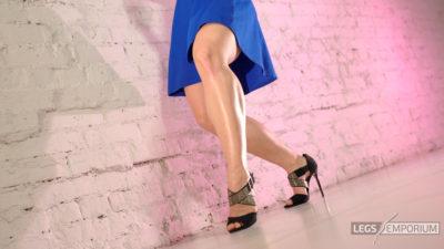 Alina - Dancing Blue Beauty Redux 1_8