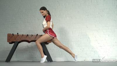 Alisa - Athletic Shapely Legs Babe 1_2