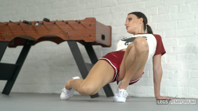 Alisa - Athletic Shapely Legs Babe 2_4