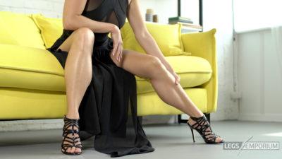 Alisa - Lovin' Worship of the Mistress' Legs 1_3