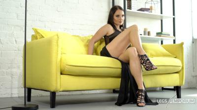 Alisa - Lovin' Worship of the Mistress' Legs 2_3