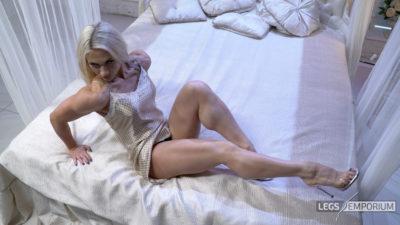 Jewel - Bedtime Legs Play 2_4