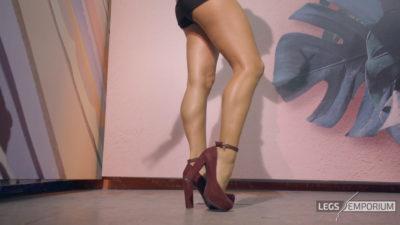Alexa - Dancing Dancer Legs 4K_5