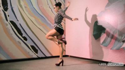 Alexa - Dancing Dancer Legs HD 1_3