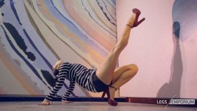 Alexa - Legs Up Beautiful Dancer 4K_3