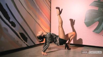Alexa - Legs Up Beautiful Dancer HD_6