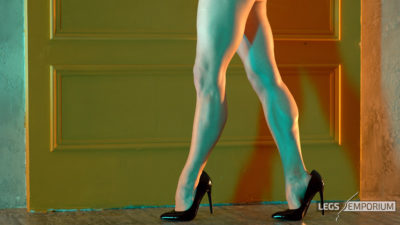 Anastasia - Lights and Shadows of the Sculpted Calves Princess 1_2