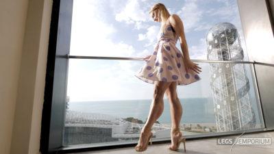 Gloria - Balcony View of Glorious Legs Beauty 1_4