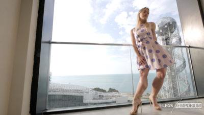 Gloria - Balcony View of Glorious Legs Beauty 2_2